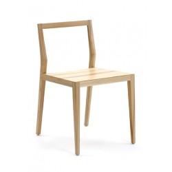Uosio masyvo kėdė GHOST